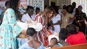 Melania Trump llega a Ghana en su primer viaje a África