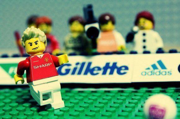 Beckham disfruta construyendo piezas de Lego y cocinando para su familia