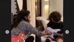 La hija de JLo recibe clases de guitarra de Lenny Kravitz