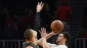 Bulls se impone 168-161 a Hawks en cuatro tiempos extra