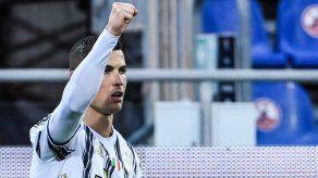 Ronaldo responde a las críticas con un triplete en media hora al Cagliari