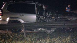 Auto es abandonado con 190 paquetes de droga en autopista Panamá - Colón