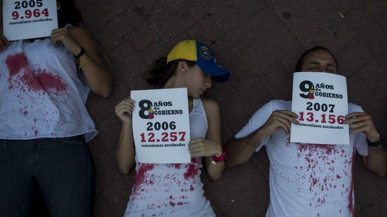Maduro dice que protestas le dieron más fuerza para seguir trabajando