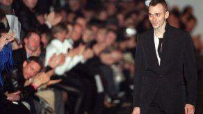 Yves Saint Laurent confirmó que Slimane será su nuevo director