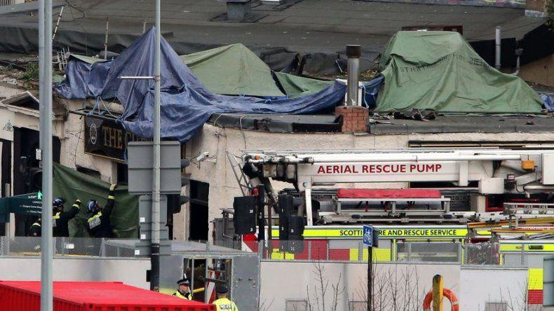 Hospitalizan a 32 personas tras accidente de un helicóptero en Glasgow