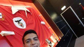 El mexicano Raúl Jiménez firma por el Benfica hasta 2020