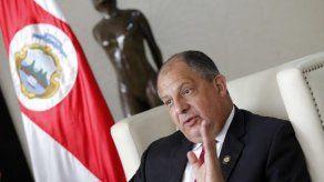 Solís afirma que Costa Rica acatará Opinión Consultiva sobre matrimonio igualitario