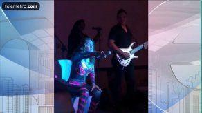 Sandra Sandoval regresa a los escenarios a cantar pero sin poder bailar