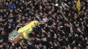 Masivo funeral para miembros de Hezbollah muertos en Siria