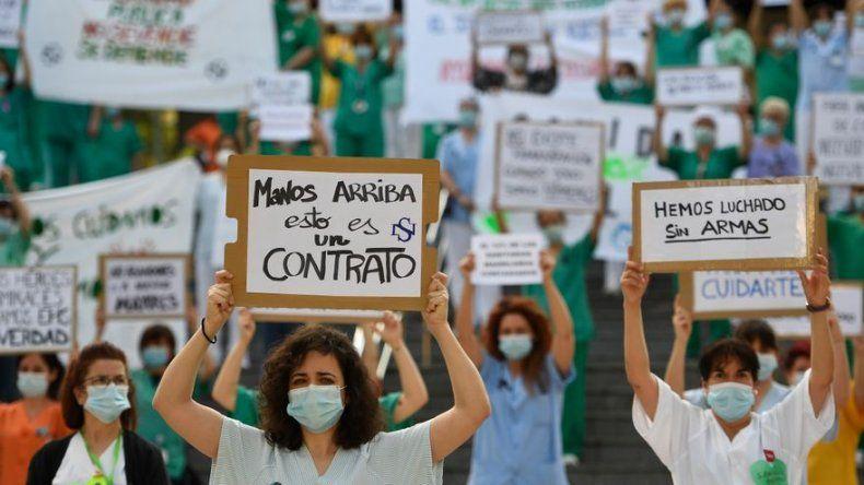 Personal sanitario se manifiesta en Madrid para exigir mejores condiciones