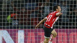 Gol de Lozano es insuficiente