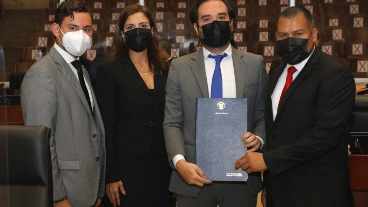 Juan Diego Vásquez, Ana Giselle Rosas, Gabriel Silva, son algunos de los diputados proponentes de la iniciativa que busca modificar un artículo del Código Procesal Penal.