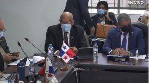 El ministro Héctor Alexander habló sobre el aumento de las planillas ante la Asamblea.