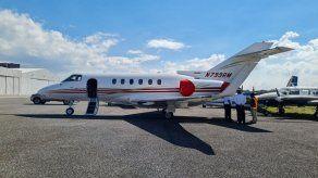 Jet privado del expresidente Martinelli continuará retenido en Guatemala a petición de EEUU