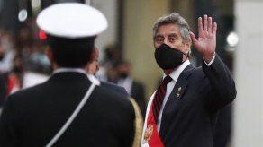 Sagasti afirma que preside un gobierno de emergencia en Perú