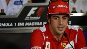 Alonso quiere igualar los tres títulos de su ídolo Senna