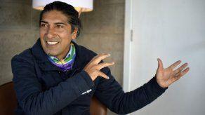 Candidato indígena a presidencia de Ecuador plantea reestructurar deuda externa