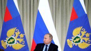 Putin ordena votación sobre reforma pese a coronavirus