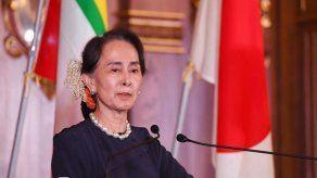 Detienen a tres periodistas birmanos por artículo crítico con político cercano a Suu Kyi