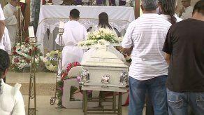 Dan el último adiós a la estudiante de la UTP Rosaida Lorenzo