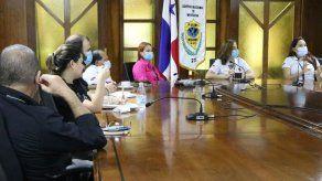 Migración y Arena coordinan alternativas para facilitar trámites de extranjeros en Panamá