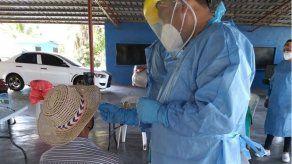 Las autoridades mantienen la búsqueda de más contagios de COVID-19 en el país.