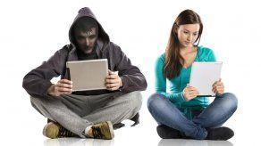 40% de las mujeres ya fueron víctimas de acoso en línea