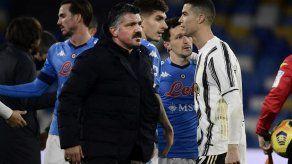 Nápoles derrota a la Juventus por 1-0 y se mete en zona Champions