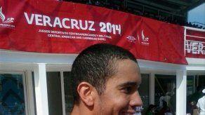 Edgar Crespo gana medalla de plata en los 50 metros pecho