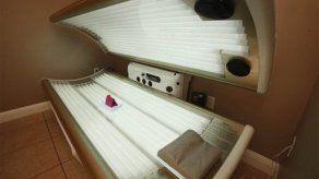 EEUU: Pondrían aviso de cáncer en camas de bronceado