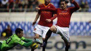 Roma vence al Genoa y se acerca a zona europea