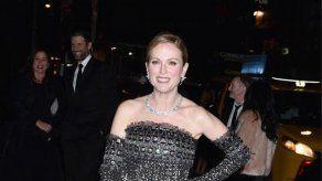 Julianne Moore recibe Globo de Cristal del festival de cine de Karlovy Vary