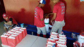 Selección juvenil de Coclé realiza actividad navideña