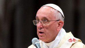 El papa telefonea a una jubilada argentina que sufrió un secuestro virtual