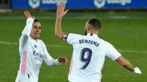 El Real Madrid despeja la crisis goleando 4-1 al Alavés