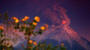 Volcán de Fuego de Guatemala muestra de 7 a 9 explosiones moderadas por hora