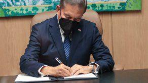 Presidente Cortizo sanciona Ley que promoverá la recuperación y sostenibilidad de empresas.