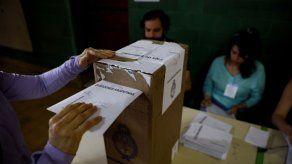 Argentina vota en presidenciales con el peronismo favorito para regresar al poder