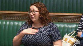 Tengo la regla lanza una diputada en el Parlamento británico