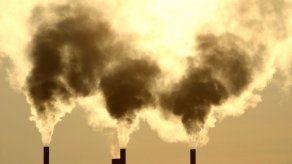 Canadá aplicará impuesto a emisiones de dióxido de carbono