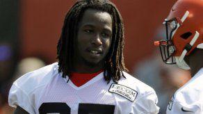 NFL autoriza regreso de Hunt a entrenamientos de Browns