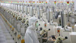 China suspende más aranceles a bienes de EEUU tras tregua