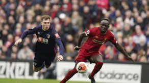 Liverpool vence 2-1 a Bournemouth