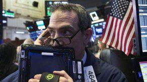Índice Dow Jones tiene otra fuerte caída en Wall Street