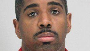 Policía acusado de asesinato en Dallas