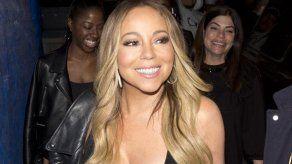Mariah Carey se baña en leche como Cleopatra