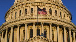 Demócratas abandonan plan sobre salarios de legisladores