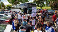 Por su parte, Luis Enrique Ferrer, hermano del disidente cubano José Daniel Ferrer, explicó que por lo menos 400 cubanos partieron a Washington con la idea de recriminar las acciones del Gobierno de Díaz-Canel frente a la embajada cubana.