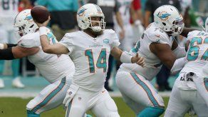 Dolphins blanquean 24-0 a los Jets