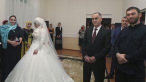 El líder checheno desafía a Putin con la boda de una menor